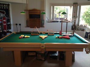 Fathers Day Special! Like New Dufferin 8ft Pool Table & Accesso