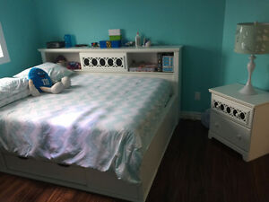 Gorgeous Bedroom Furniture White !!! AMAZING Deal