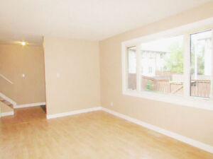 8, 14120-80 St- Bright & Updated 3-Bedroom Townhouse