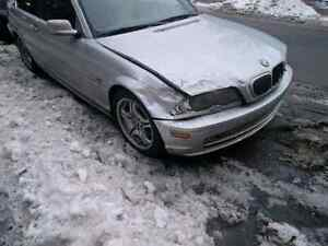 Looking for/ Cherche e46 coupe for parts