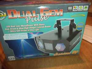 American DJ Dual Gem Pulse Moonflower DJ Party Light