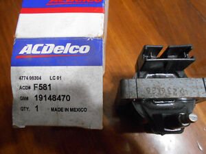 FORD IGNITION COIL(NEW!!!!!!) FITS V6-V8 MID 80'S-MID 90'S London Ontario image 2