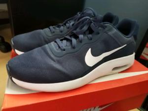 Nike Air Max modern essential running shoes