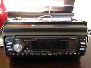 HIGH END CLAIRION CD DECK WITH MUSIC CATCHER
