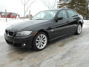 2011 BMW 3-Series 328I **AWD, Navigation, Heated Leather**