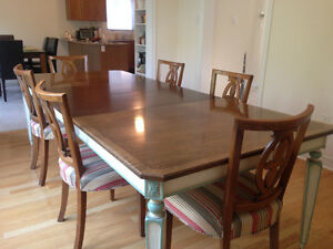1940s ANTIQUE MAHOGANY DINING SET with 8 CHAIRS & SIDEBOARD