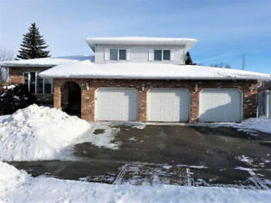 St Albert, Spacious & Open 5 level split 4 bedroom home