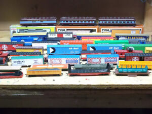 HO model train engines and rolling stock