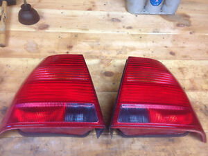 Tail lights to fit 99-2005 vw jetta