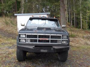 1000 $ obo 1983 GMC Pickup Truck