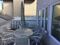 PATIO SET WITH 6 CHAIRS UMBRELLA SIDE TABLE