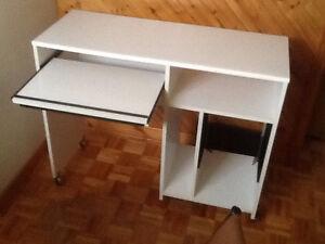 Meuble de travail pour ordinateur de table