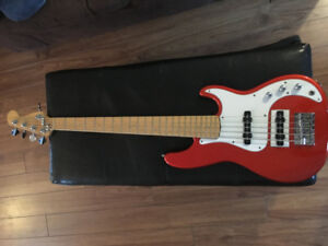 Fender reissue '62 precision bass/ 5 string Fender jazz bass