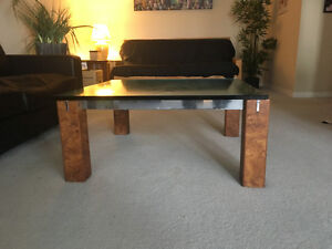 Moving out of province so selling this coffee table. London Ontario image 2