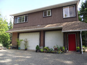 North Qualicum 2 bedroom newer country house.