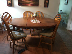 8 Piece Solid Wood Dining Room Set
