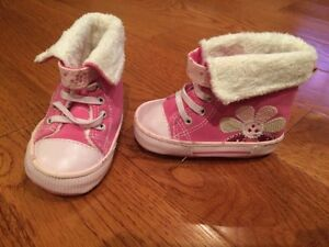 Girl shoes infant size 1 London Ontario image 1