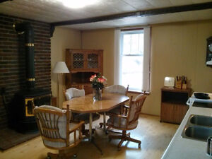 House/rooms for rent. Heritage brick home. Waterfront. Peterborough Peterborough Area image 2