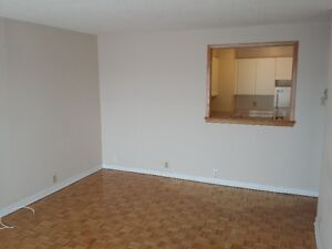 Very CLEAN and BRIGHT apartment for rent West Island Greater Montréal image 4