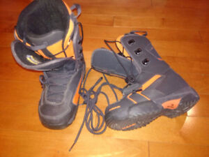 Head snowboard boots size 4.5