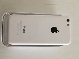 Iphone 5C - white 8gb - Great Condition