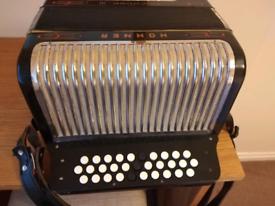 Hohner trichord 111 button accordion