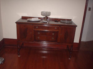 ANTIQUE DINING TABLE HUTCH SIDEBOARD London Ontario image 2