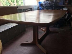 VINTAGE/RETRO CHERRYWOOD DINING TABLE Highgate Perth City Area Preview