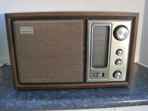 Vintage Sony Model ICF-9650W High Fidelity FM/AM Table Radio