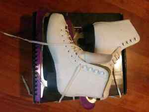 Ladies skates size 8 and size 9
