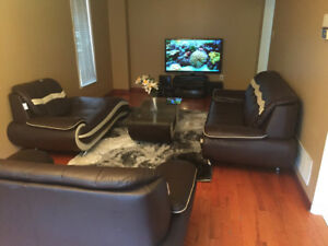 One furnished bedroom for rent in Brampton for ladies only