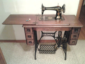 Singer Antique Sewing Machine. Peterborough Peterborough Area image 3