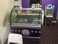Ice Cream Parlour / Cafe