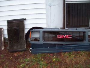 GMC GRILLE-RAD SUPPORT