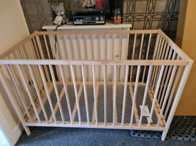 2 ikea cots brand new wring size for me