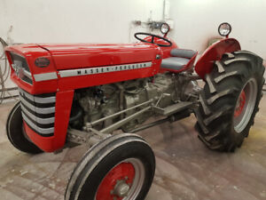 1974 Massey Ferguson 135 3 Cyl gas Perkins with Power Steering