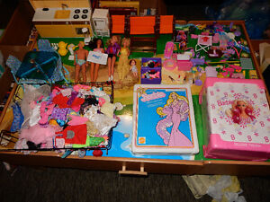 Vintage Barbies - Furniture - Clothes and Accessories - Cases