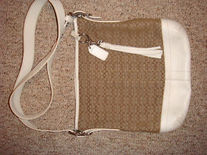 COACH CROSS BODY BAG Regina Regina Area image 1