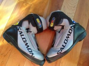 Salomon X-country kids ski boots size 34 great condition