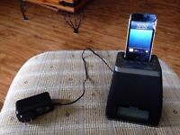 IPod touch and ihome docking station