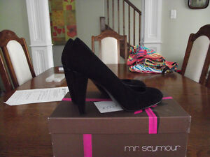 BRAND NEW Lady Seymour Black Swoon Shoes Size 9.5