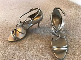 Faith strappy high heels, gold. Size 5.