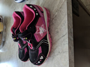 Girls Hello Kitty shoes