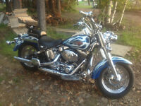 2001 Heritage Softail Custom Paint. 8000 obo