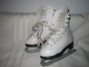 Girl's Figure Skates Youth Size 8 (Lange Galaxy)