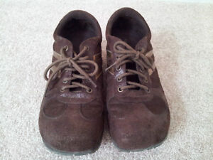 Like New Spring Brown Suede Sneakers (Size 8) London Ontario image 2