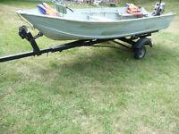 14 ft aluminum Smoker craft deep V, Honda 8 HP and trailer