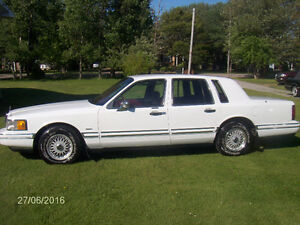 1993Lincoln Executive Series Town Car