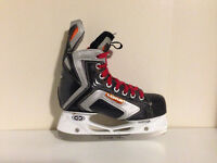 Easton Razor Bladz II Size 3.5 EE Hockey Skates (fits shoe 4)