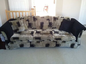 Sofa and loveseat set with 4 matching pillows Like new condition London Ontario image 1